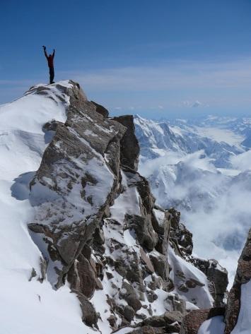 mountain-climber-899055.jpg